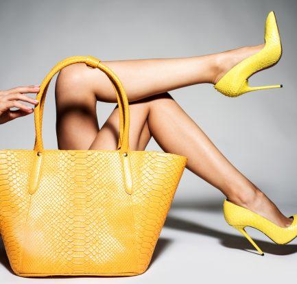 żółte buty czółenka